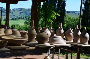 An image that shows the enviornment of La Meridiana International School of Ceramics in Tuscany